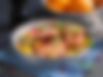 Laks i form med creme fraiche og appelsin