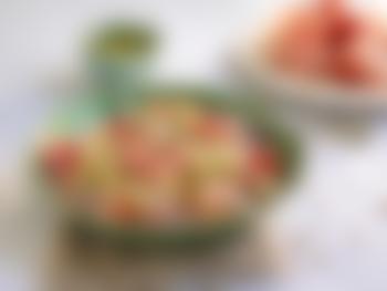 Pastasalat med spekeskinke og pesto