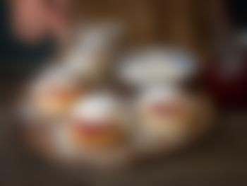 Fastelavnsboller med vaniljekrem