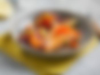 Stekt laks med papaya og urtebakte poteter