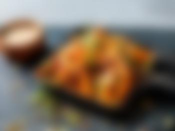Søtpotet fries med cheddar og jalapeno