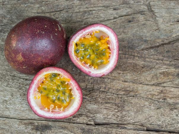 Pasjonsfrukt - frisk og syrlig