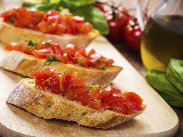 Enkel bruschetta med frisk tomatsalsa