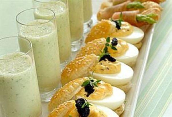 Fylte egg på koldtbord