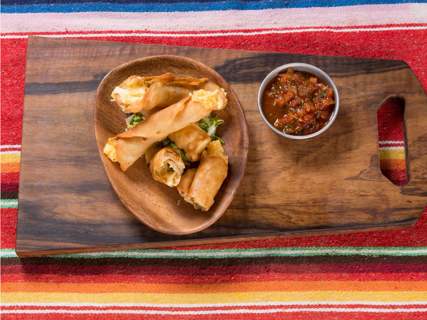 Taquitos fylt med ost og jalapeñofyll