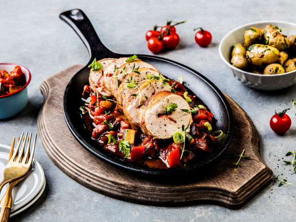 Saftig kyllingbryst med chorizo og Chaumes ost