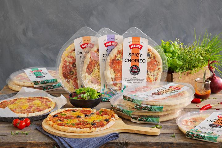 Velg mellom pizza med blåmuggost og skinke, pizza med skinke og cheddar, pizza med chorizo (Tind), cheddar og vellagret Valdres ost og pizza med salami Napoli og parmesan.