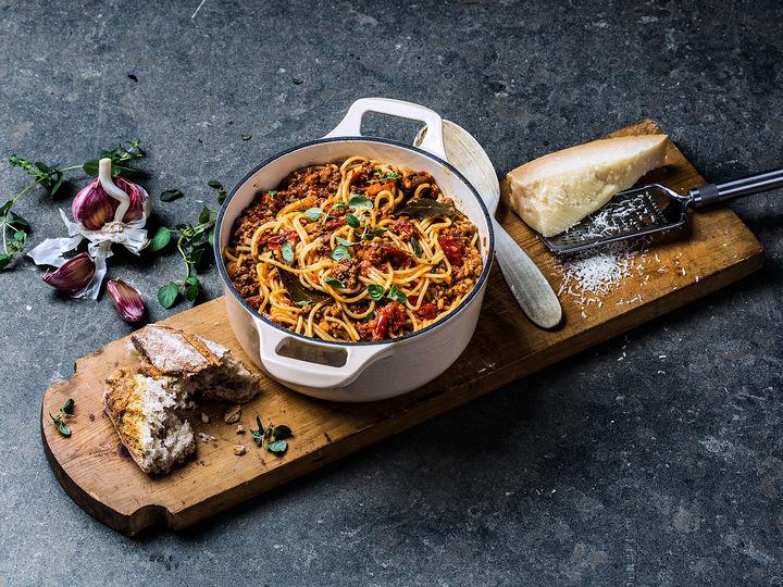 Spagetti Bolognese er supergod hverdagsmiddag som er lettvint å lage!