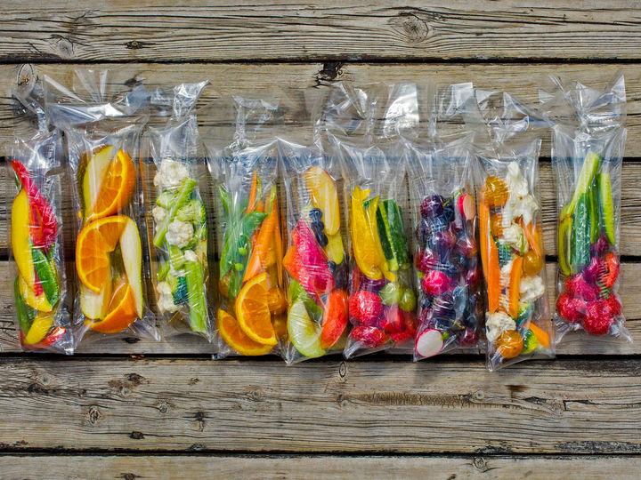 Fruktposer holder kuttet frukt og grønnsaker friske og fine hele dagen.