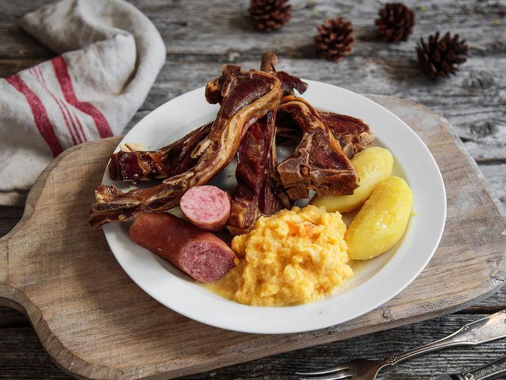 Rotmos hører til når pinnekjøttet skal på bordet.