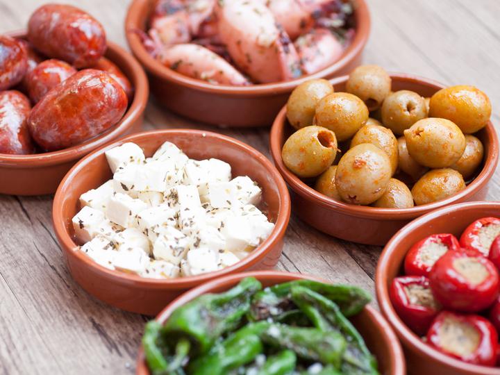 Spansk tapas er små, smakfulle munnfuller til en helaften.