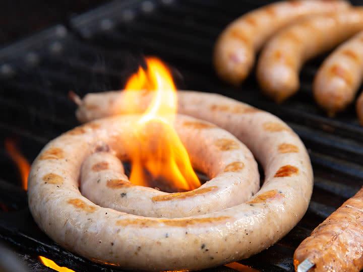 Jacobs Utvalgte rå pølser skal ikke snittes før grilling