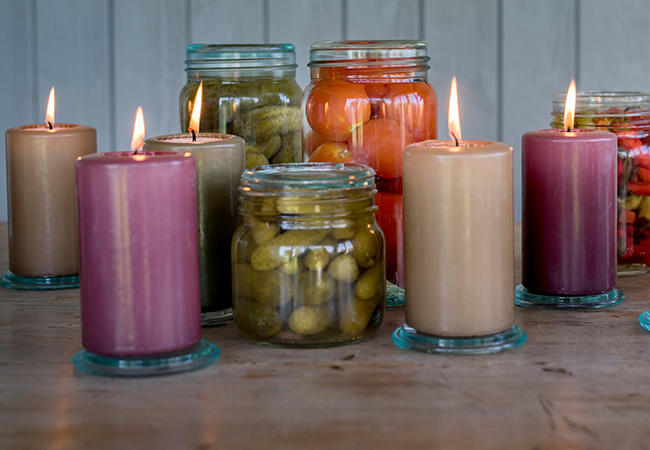 Dekorative: Lysene til Unik finnes i alle høstens mest trendy farger og er dekorative i seg selv. Lysene kan kjøpes i alle Norgesgruppens butikker.