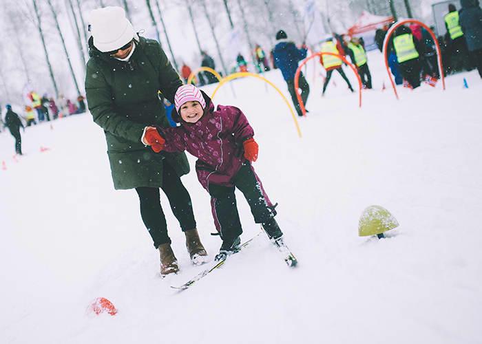 Lannea Harding tester skiføret på Sognsvann i Oslo når DNT arrangerer Kom deg ut-dagen.