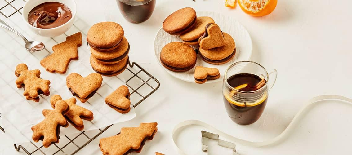 Kanskje pepperkake-makroner blir en av årets julekaker?