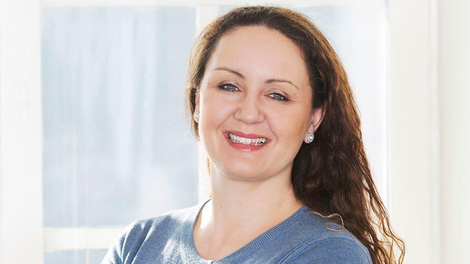 VET RÅD: Malin Skaar i Lilleborg Forbrukerservice lar ingen flekker knekke henne.