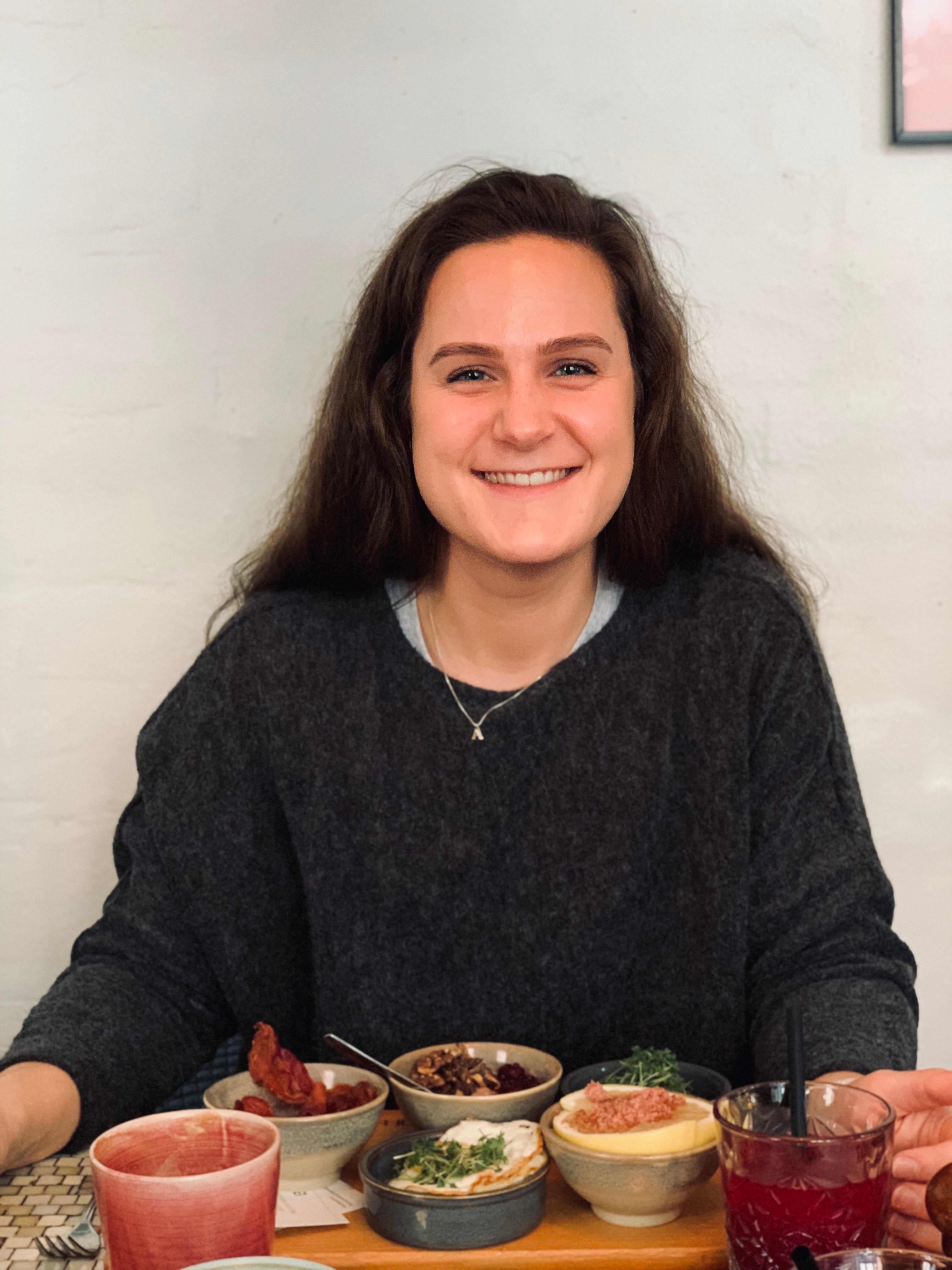 Anette Sjøstrøm lager middag hver dag