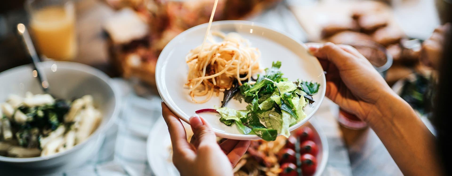 For et fullverdig måltid, bør 1/3 del av tallerkenen være pasta, resten grønnsaker og evnt. kjøtt eller fisk.