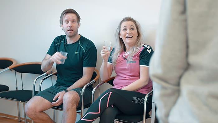 Både Line og Torben får seg en overraskelse når klinisk ernæringsfysiolog Tine Sundfør skal teste deres fysiske alder.