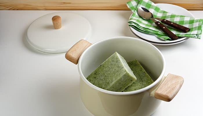 Lagde du for mye suppe? Frys ned i porsjoner og ta opp når det passer seg.