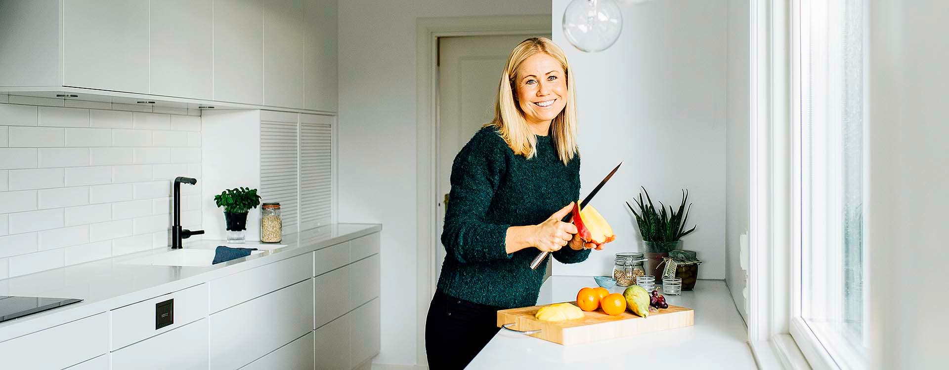 Klinisk ernæringsfysiolog Tine Sundfør støtter ungdomsskoleelevene i at wraps er et godt alternativ i matpakken.