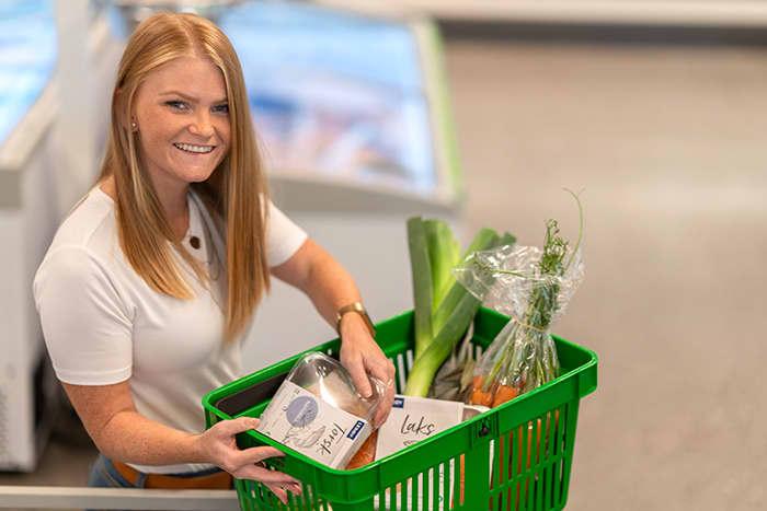 Alle KIWI PLUSS-kunder får alltid 15 % Trumf-bonus på all fersk fisk, frukt og grønnsaker. I tillegg får man 1 % Trumf-bonus på alle andre matvarer, inkludert nøkkelhullsmerkede varer.