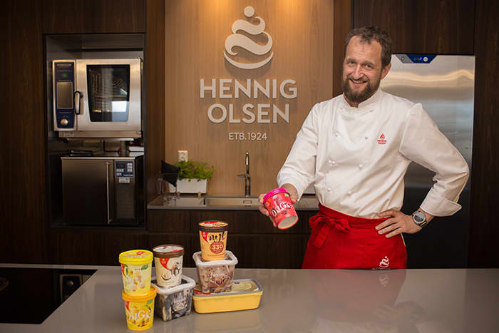 Trond Wøien er iskokk hos Hennig-Olsen Is og vet en del om hvordan man får isen til å smake best mulig.