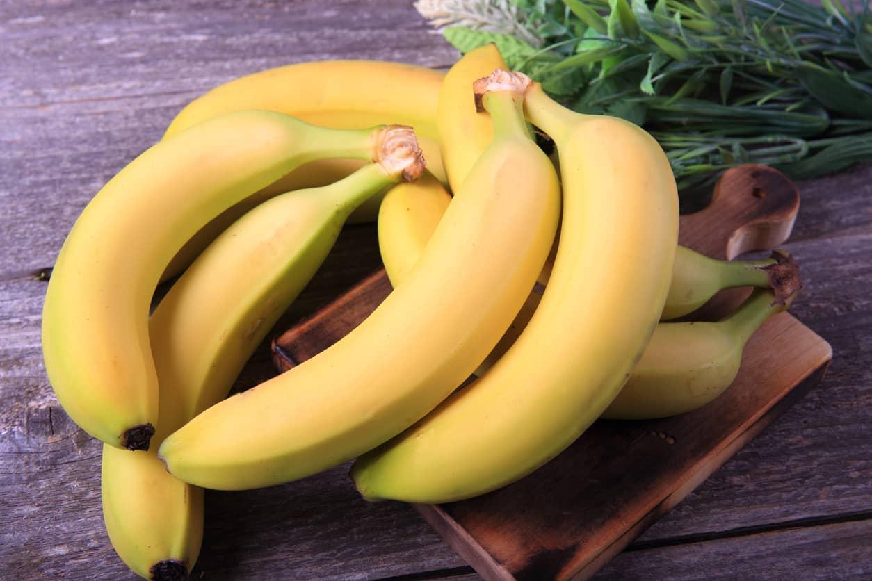 Bruk fryste bananer i smoothie eller lag nicecream.