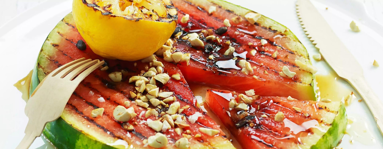 Mmmm... Grillet vannmelon med sitron og cashewnøtter.