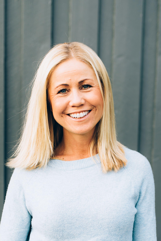 Klinisk ernæringsfysiolog Tine Sundfør slår et slag for mer fisk og grønt på grillen.