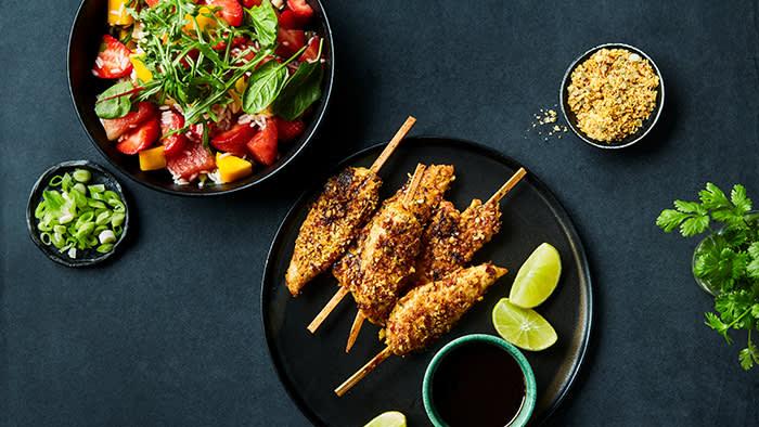 Chicken Sticks ingefær & hvitløk med sommersalat og soya & ingefær crunch