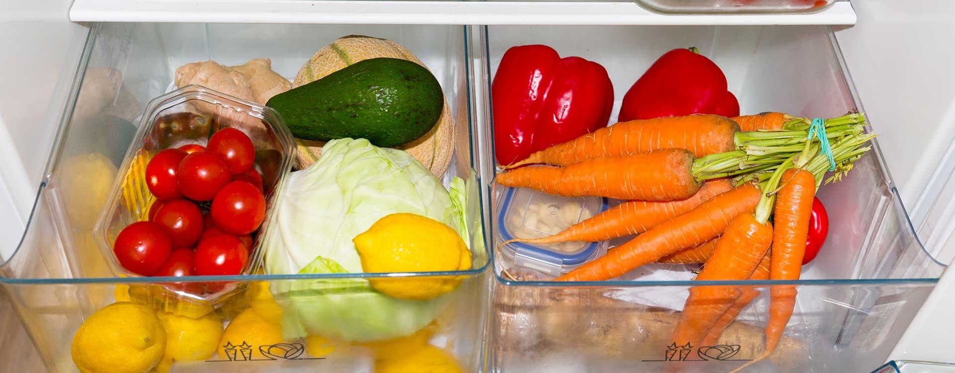 De fleste grønnsaker kan med fordel oppbevares i kjøleskap. FOTO: iStock