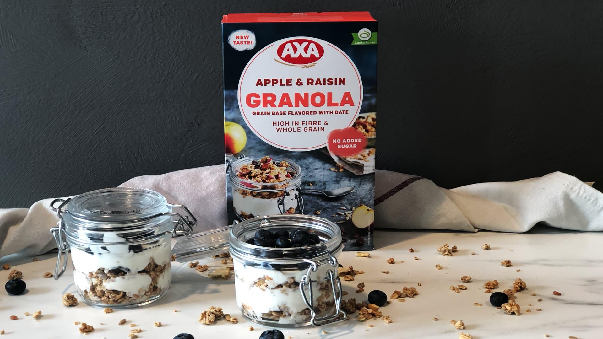 Slik lager du trifler med granola og yoghurt.
