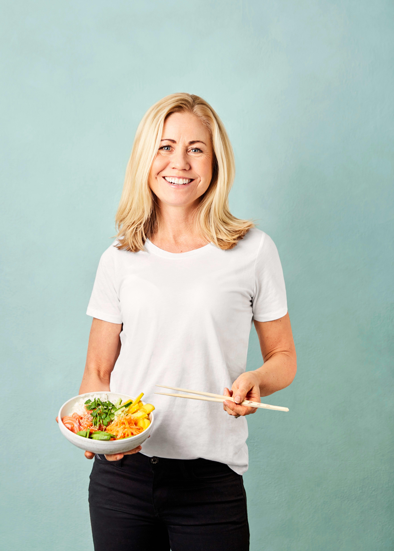 Klinisk ernæringsfysiolog Tine Sundfør mener riktig mat kan gi deg både bedre konsentrasjon, hukommelse og humør. FOTO: Tommy Andresen