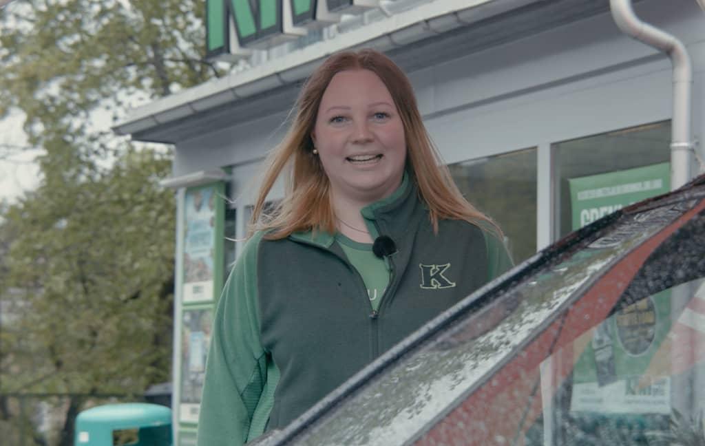Tone Elisabeth er butikksjef på KIWI Bølevegen.