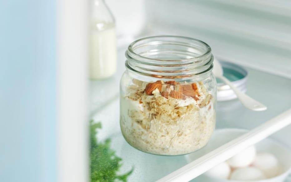 Kjøleskapsgrøt med quinoa, laget av Fjordlands byggrynsgrøt. Foto: Fjordland.no