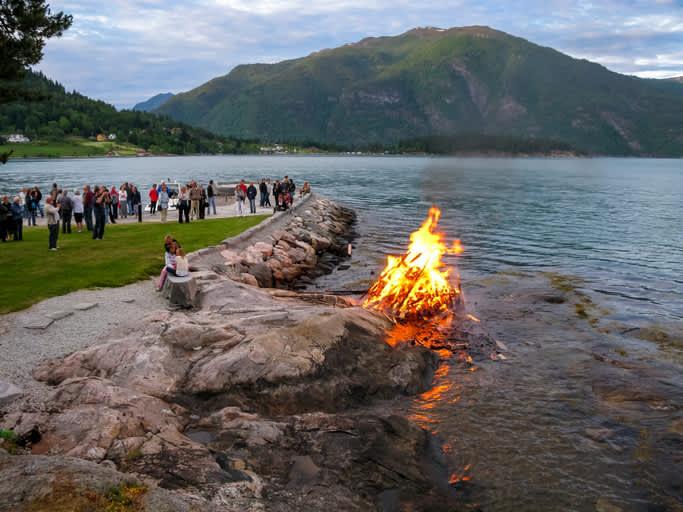 Et skikkelig bål utenfor Balsfjord