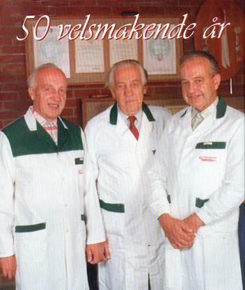 De tre brødrene Finsbråten avbildet i forbindelse med Finsbråtens 50-årsjubileum
