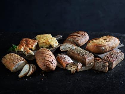 Nystekte, håndlagde brød hos MENY