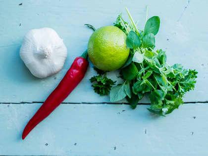 Slik oppbevarer og tilbereder du urter