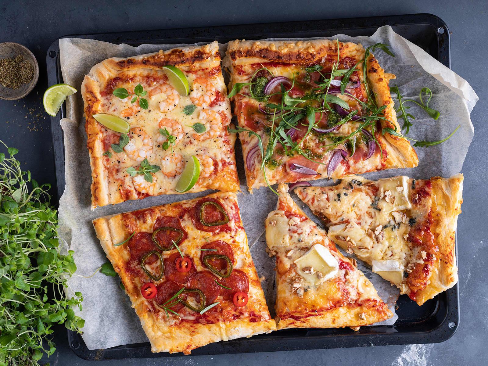 Langpannepizza med fire typer fyll