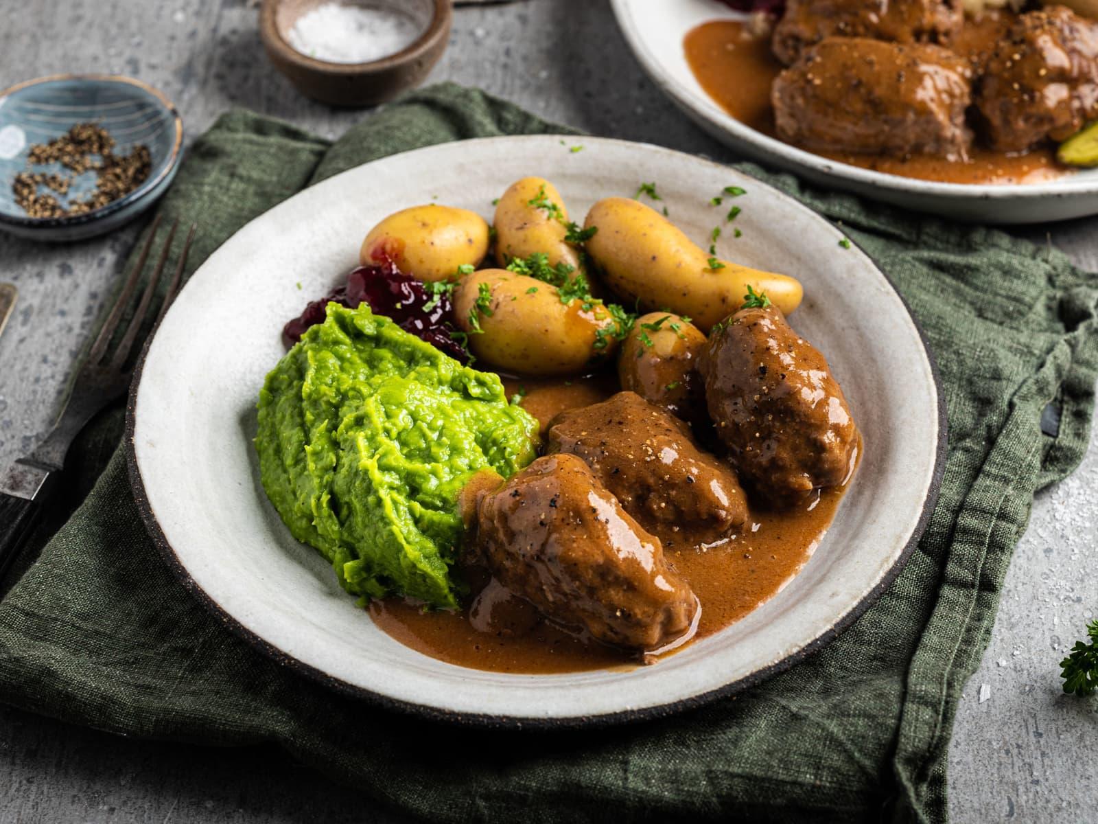 Hjemmelagde kjøttkaker i brun saus