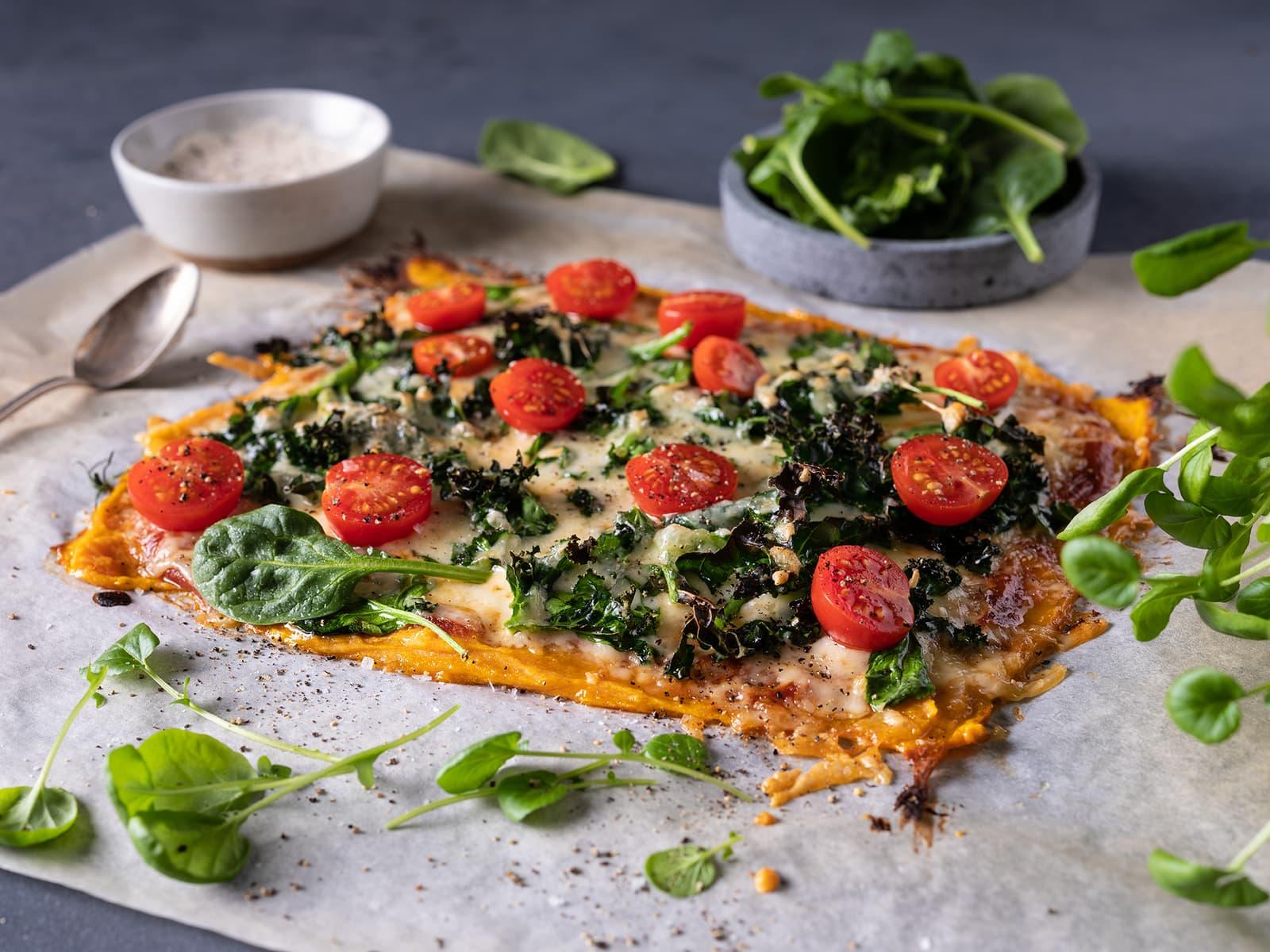 Vegetarpizza med søtpotetbunn