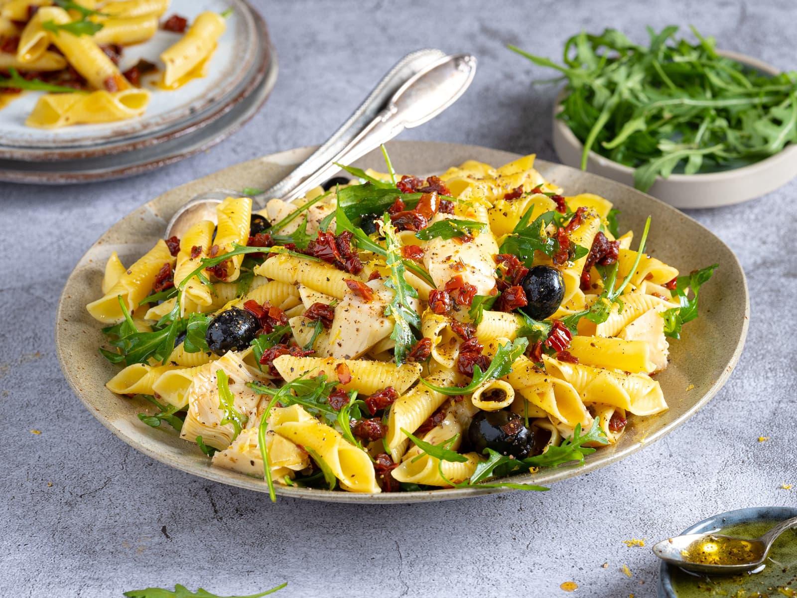 Enkel middelhavspasta med oliven