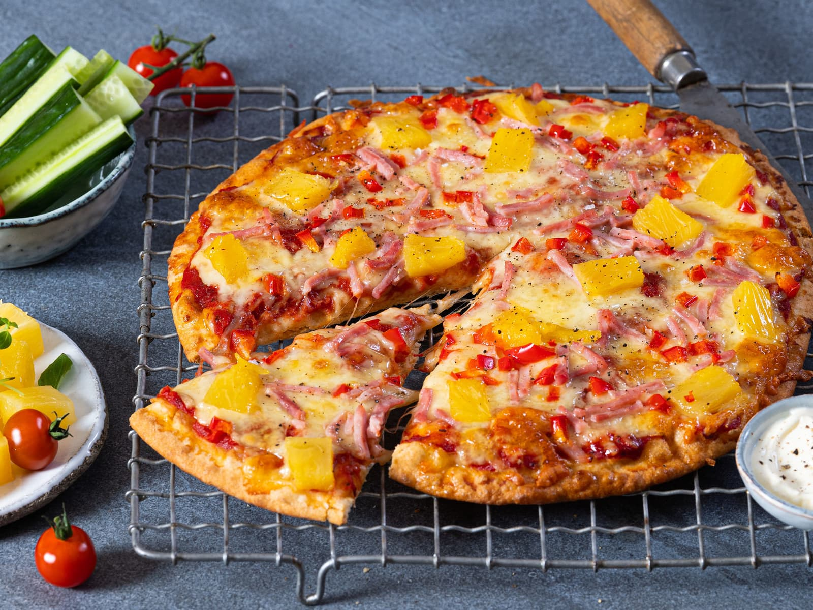 Hawaii pizza med skinke og ananas