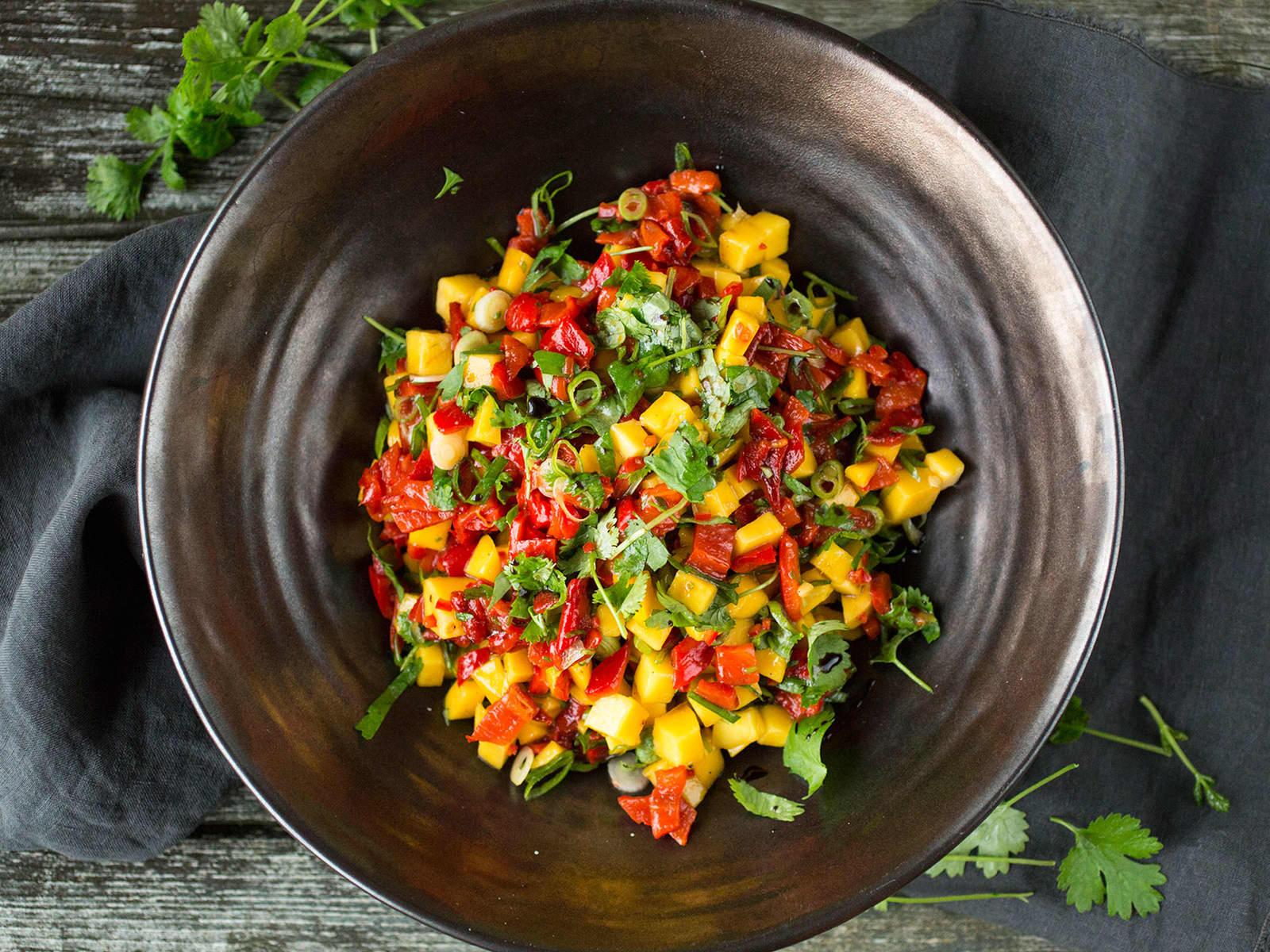 Mangosalat med paprika og koriander