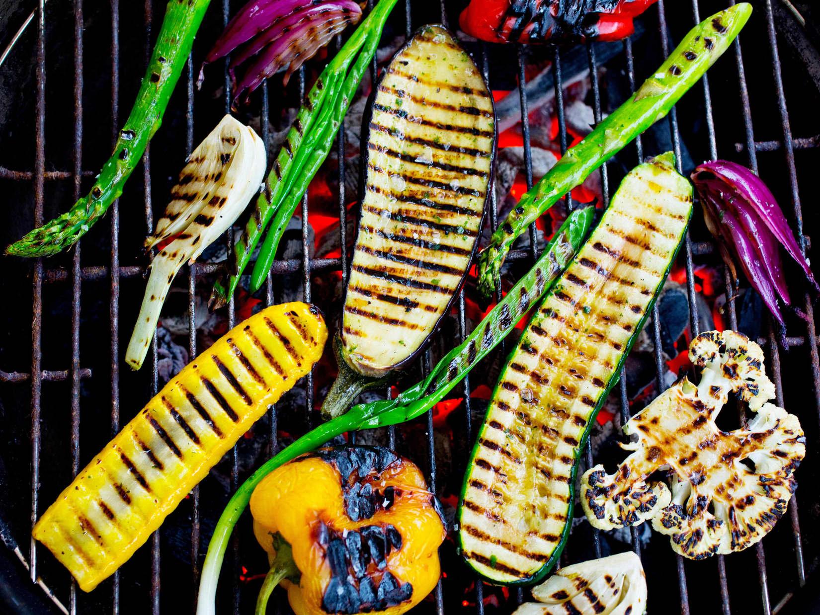 Frukt Og grønnsaker på grillen