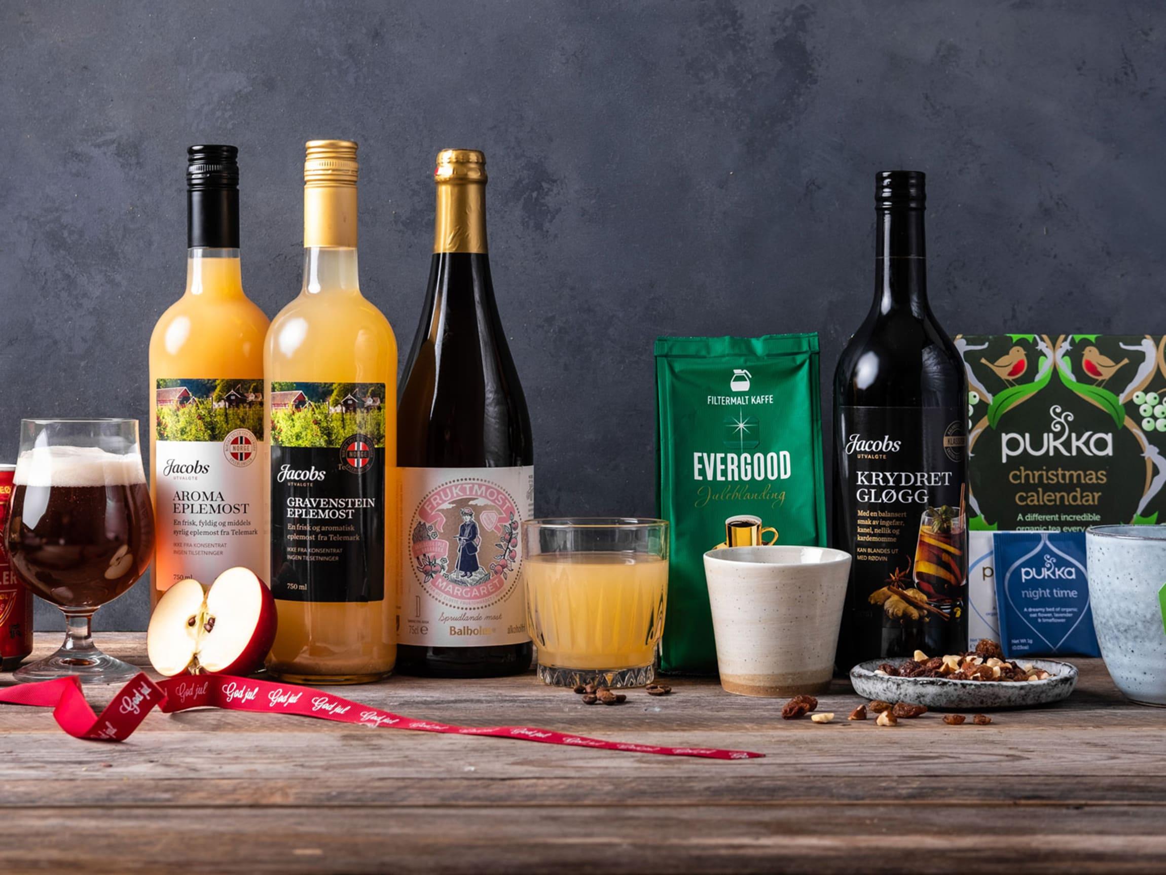 Eplemost, alkoholfritt og vanlig øl samt gløgg, kaffe og te er typiske ting som finner veien i kopper og glass i jula