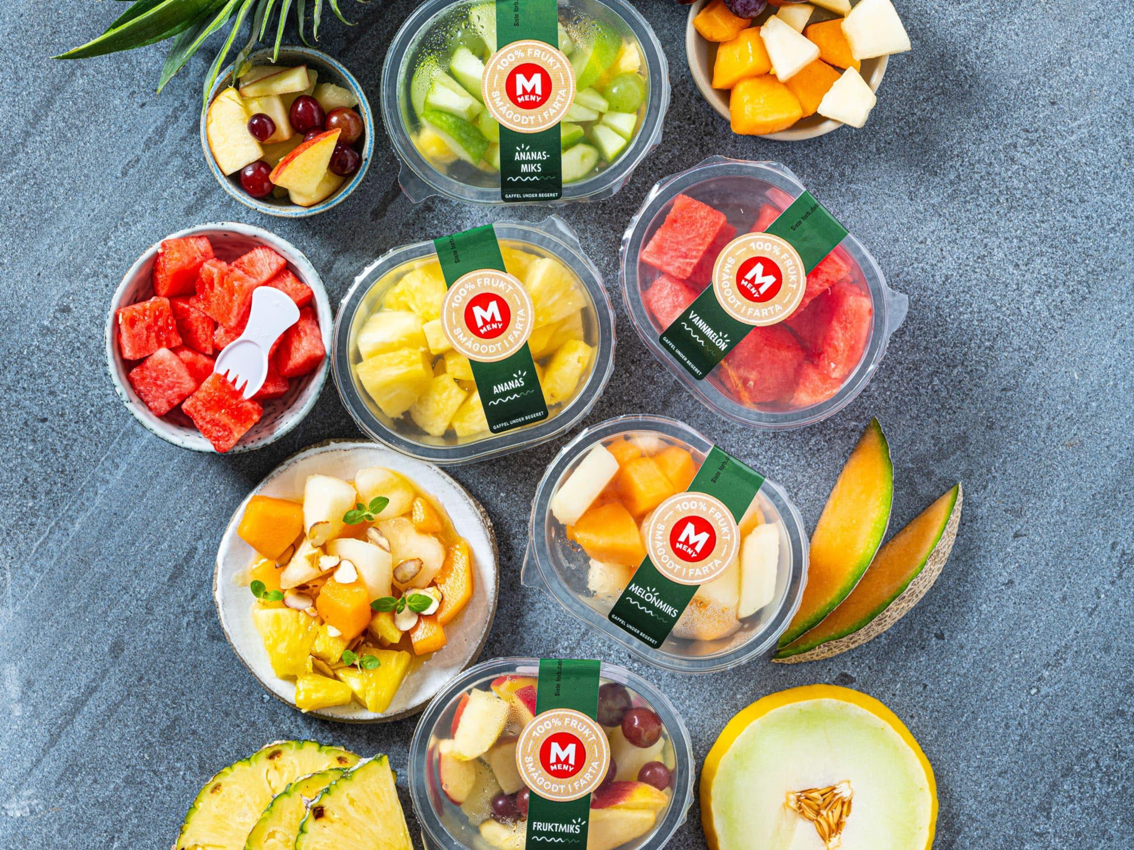 Kuttet frukt som melon og fruktmix er perfekt smågodt i farta