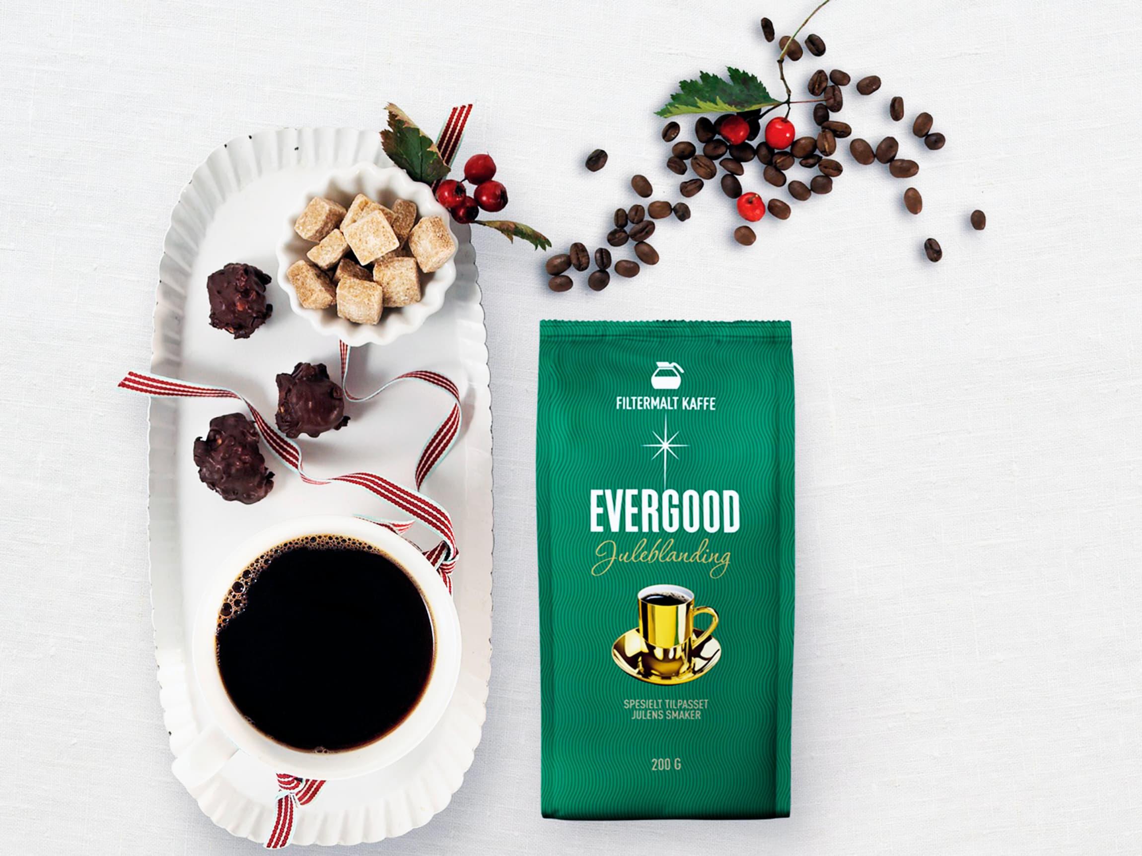 En god kopp kaffe hører til julekosen.